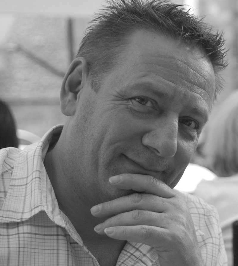 Wolfgang Gaßmann von InForm - Informationssysteme. Ihr Fachplanungsbüro für Wegeleitsysteme, Orientierungssysteme und Besucherleitsysteme. Ihr Lieferant für Schildersysteme, Außenbeschilderung, Innenbeschilderung und Digital Signage. Ihr Ausstatter für Konferenzraumtechnik und Präsentationsmedien.
